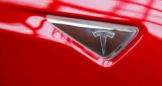 Tesla : U.S. will look at sudden acceleration complaints involving 500,000 Tesla vehicles