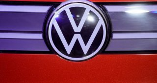 Volkswagen : to make electric car cells, battery packs in U.S.