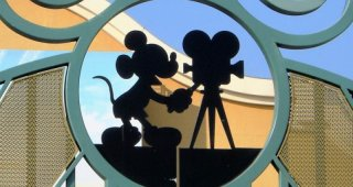 Walt Disney cartoon(ne) toujours