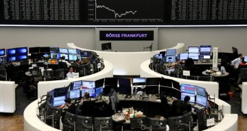 European shares snap four-day rally on Unilever warning, hard Brexit fears