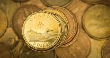 Canadian dollar adds to weekly advance as greenback slides