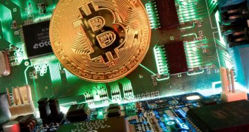 Bitcoin plummets as doubts grow over sky-high valuation