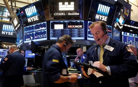 U S  Stocks Set to Open Higher on GDP Data, Earnings