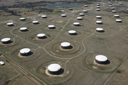 Le pétrole monte, porté par un regain d'optimisme des investisseurs