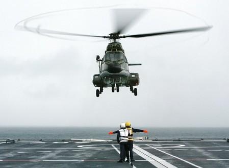 Singapour commande des hélicoptères — Airbus Group