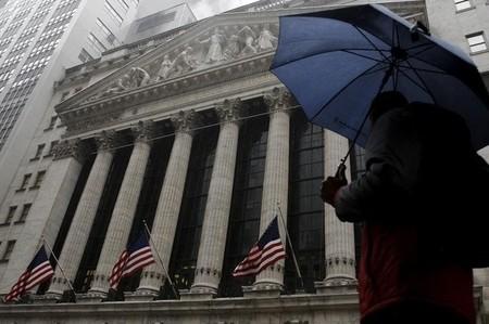 Wall Street marque le pas à l'ouverture