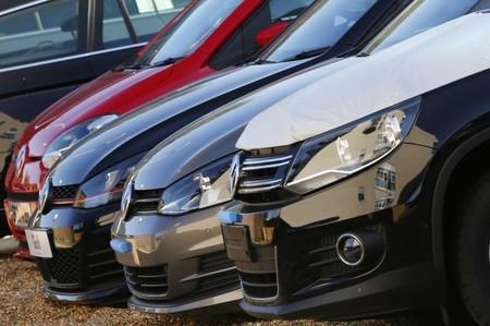 Automobile: la France et l'Allemagne plombent les ventes européennes