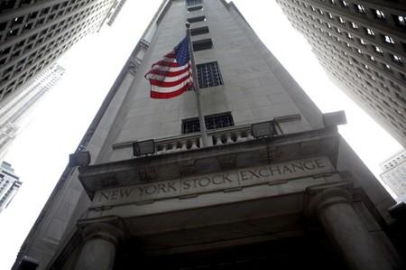 Le Dow Jones passe un seuil historique à l'ouverture de Wall Street