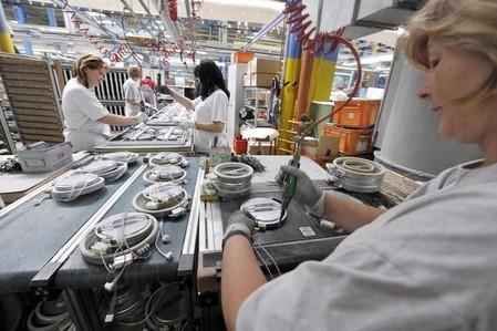 USA: indice PMI manufacturier révisé en hausse en novembre