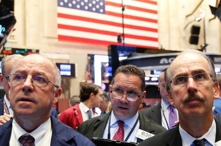 Wall Street: faiblit au finish, Nasdaq au zénith avec Tesla