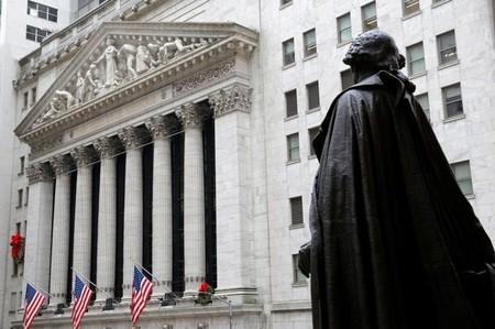Wall Street achève en légère baisse une séance sans relief