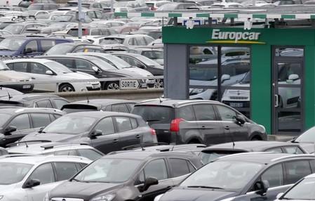 Met la main sur Goldcar — Europcar