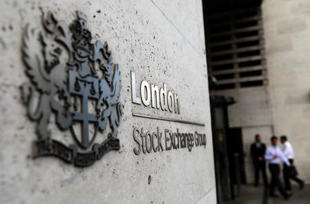 FTSE 100 ends flat as WPP sinks | MarketScreener
