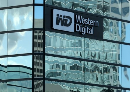 Toshiba opte pour Bain Capital — WESTERN DIGITAL