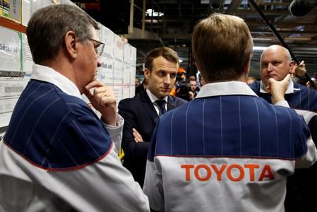 Emmanuel Macron réunit le gratin des entreprises mondiales à Versailles