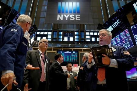 L'Europe finit dans le désordre, rebond en vue à Wall Street