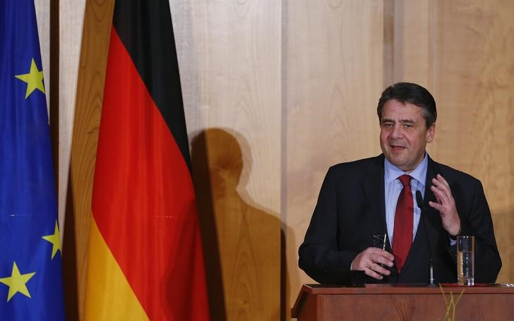 Former German Foreign Minister Gabriel speaks during a handover ceremony for the new Foreign Minister Maas in Berlin