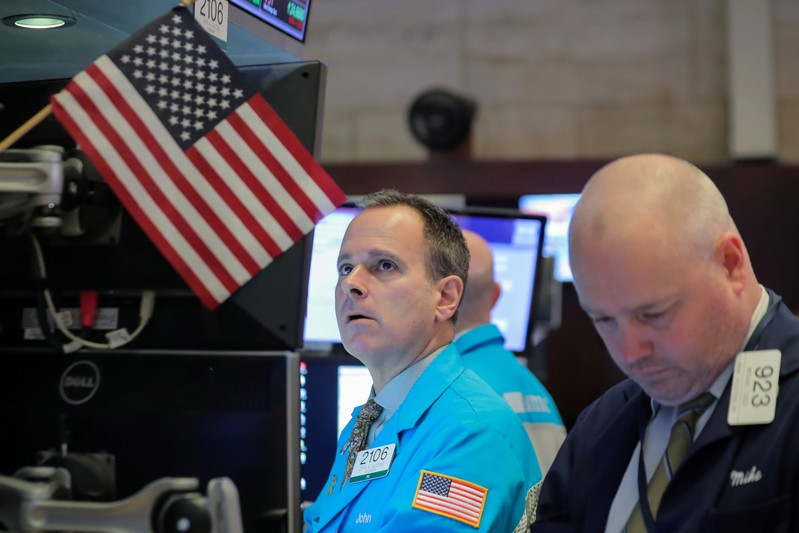 WALL STREET FINIT SUR UNE NOTE FAIBLE
