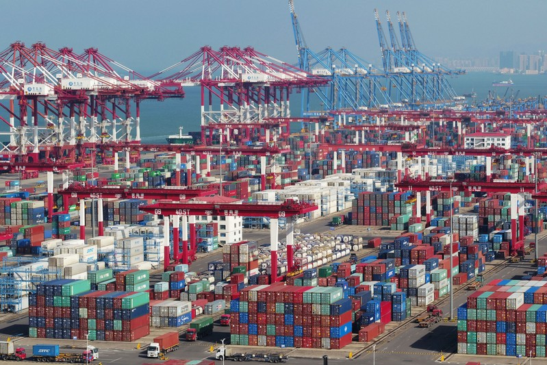 China's import-export value passes 2017 level as of mid-November