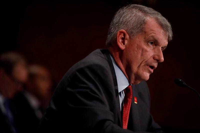U S  government shutdown gives banks rare public relations