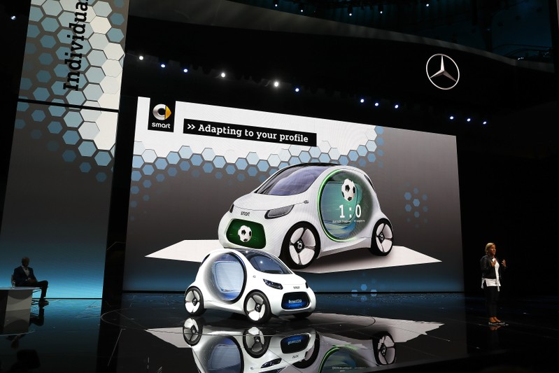 seeger, a board member of daimler ag presents the new smart concept  autonomous car vision