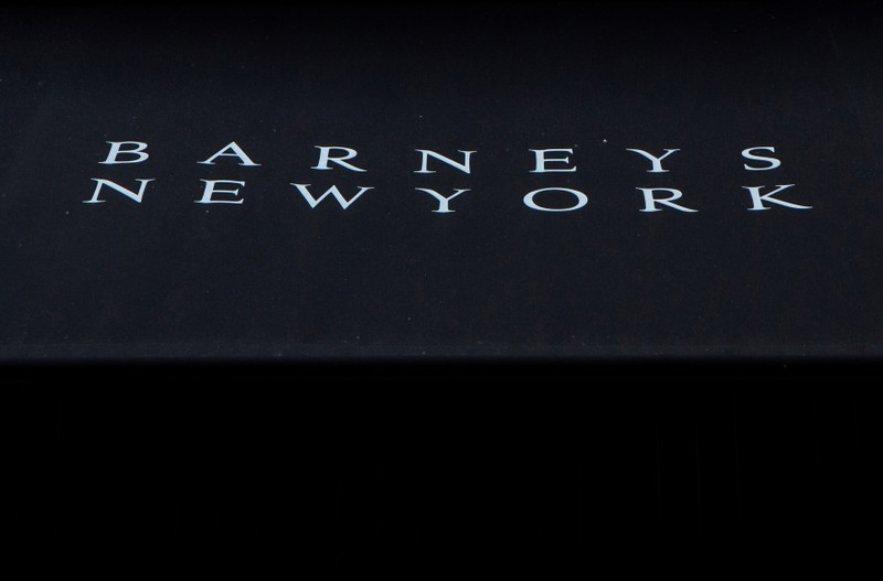 BARNEYS NEW YORK EXPLORE SES OPTIONS, ENVISAGE UNE FAILLITE