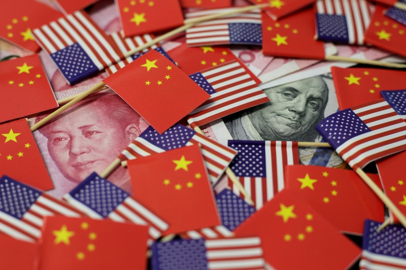 La Chine riposte aux USA sur le commerce, Trump menace