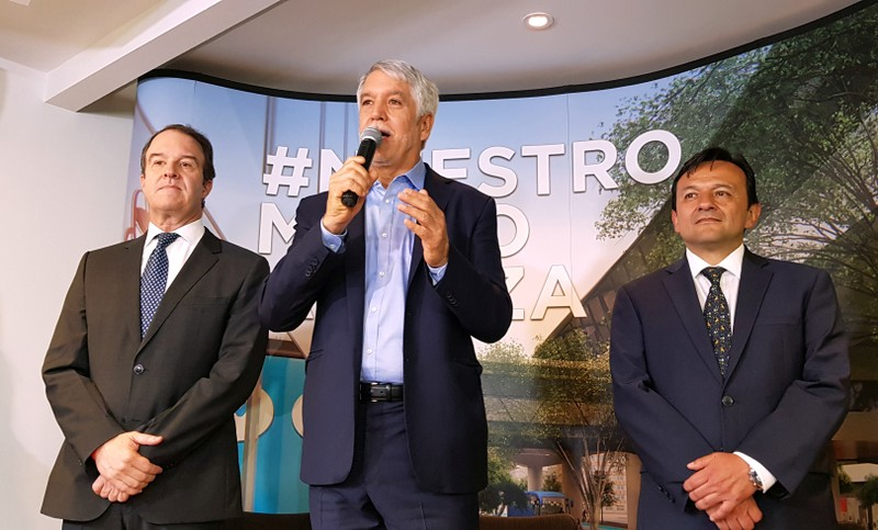 Bogota Mayor Enrique Penalosa speaks during a news conference, accompanied by Metro compnay manager Andres Escobar Uribe and the Secretary of Mobility of Bogota, Juan Pablo Bocarejo, in Bogota