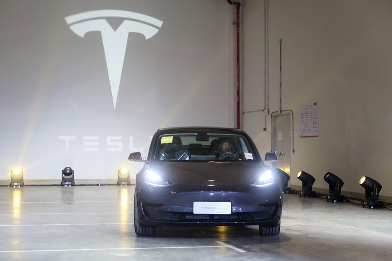 Exclusive: Tesla in talks to use CATL's cobalt-free ...