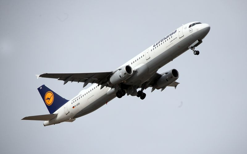 Coronavirus: Lufthansa to ground 150 aircraft
