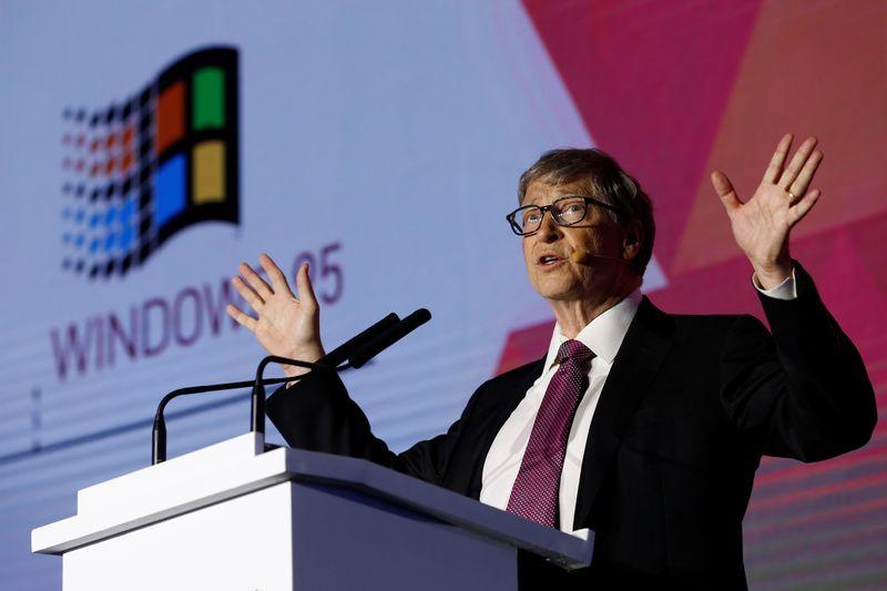 Bill Gates change de cap à Microsoft