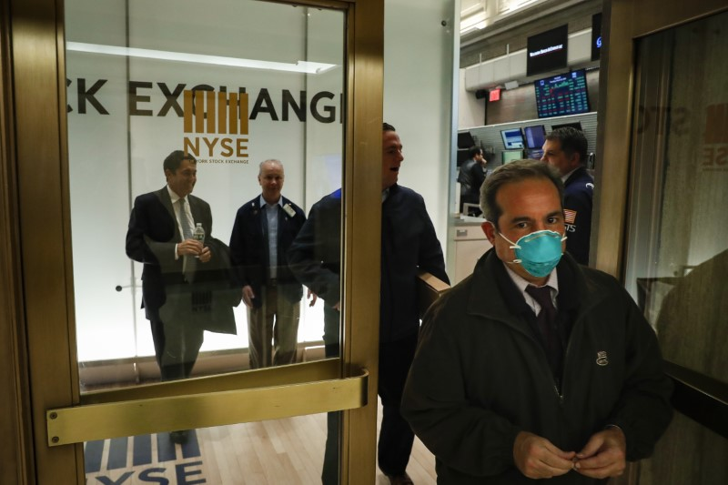 Stocks, oil sink again as recession fears batter markets