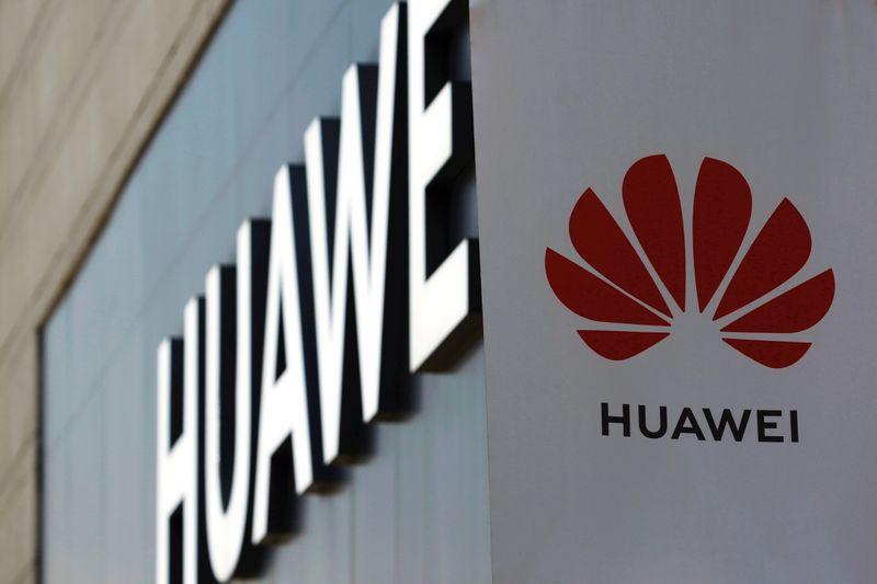 Extensions du 5G: après Trump, Boris Johnson coupe les ponts avec Huawei
