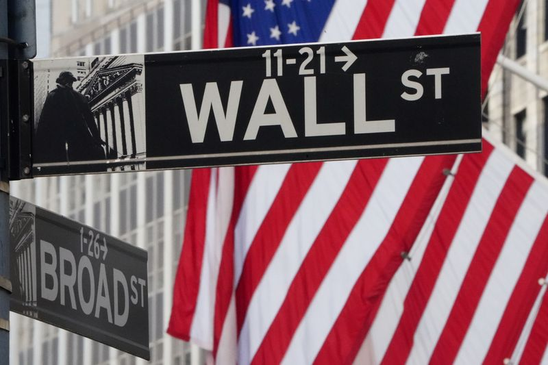 United States stock futures flat ahead of major earnings