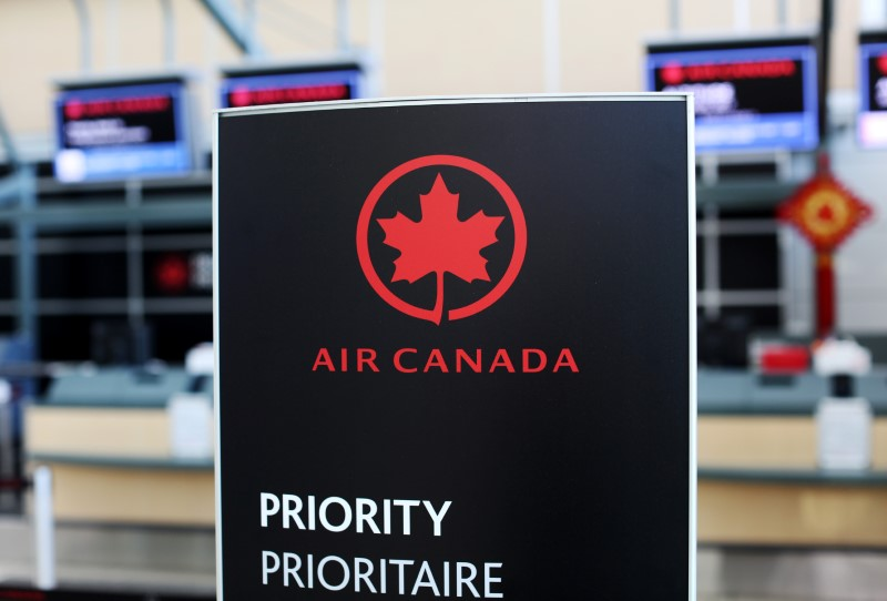 Canadian government makes airline aid contingent on passenger refunds