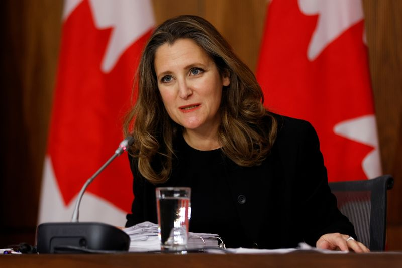 Canada to add to record deficit in pandemic recovery attempt