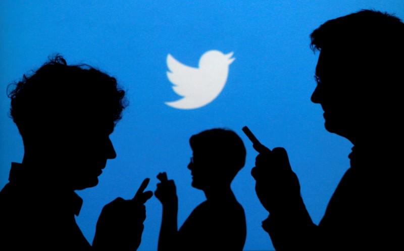Twitter makes U-turn on retweets