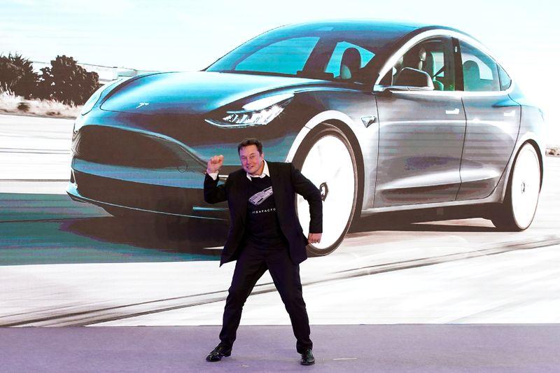 C'est qui le plus fort, Tesla ou Ferrari ? - Zonebourse.com