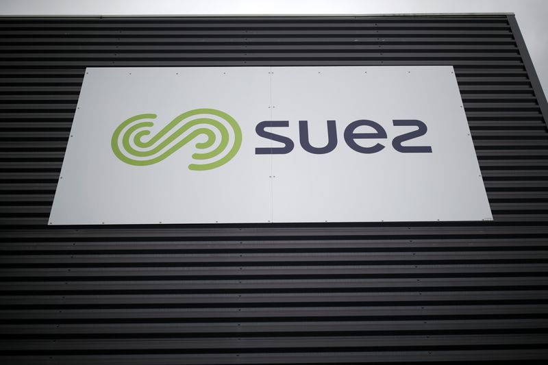 FILE PHOTO: Logo of Suez