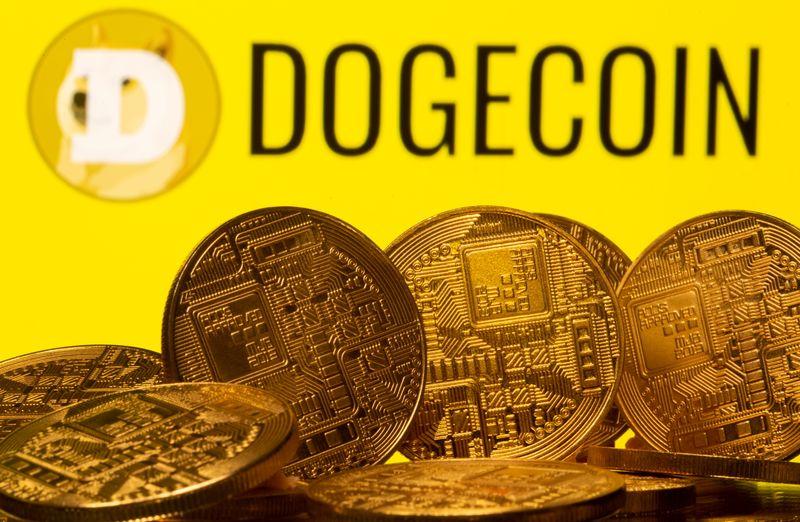 """Le Dogecoin sous les feux de la rampe alors que Musk, qui soutient les crypto-monnaies, fait une apparition au """"SNL""""."""